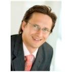 HANNES PETER REISENHOFER – ist Steuerberater und Unternehmensberater mit langjähriger Erfahrung in der Beratung von Unternehmen, aber auch als CFO von ... - picture-taker-1tktou-2